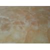 Оникс – мелкокристаллическая известняковая порода. Оникс является полудрагоценным камнем, обладает лечебными свойствами