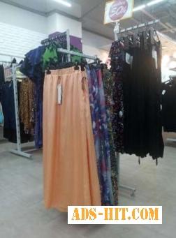 Торговые стойки (вешак, краб) б/у для развески одежды в зале