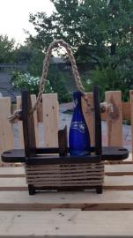 Подарок для настоящих мужчин. Ящик из дерева для винных бутылок в оригинальном исполнении.
