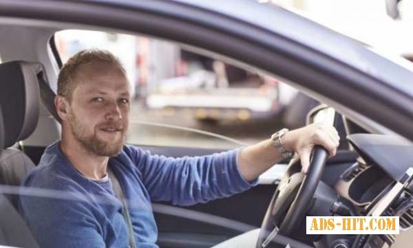 Водитель такси в Литву